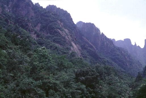 安徽省黄山の自然景観